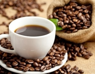 Caffeinated coffee helps to minimize reductions in attention and cognitive function