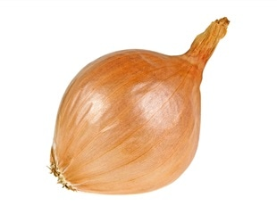 Decoding the large and complex onion genome