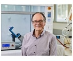 New thin-film microfluidic device to manipulate β-lactoglobulin in milk